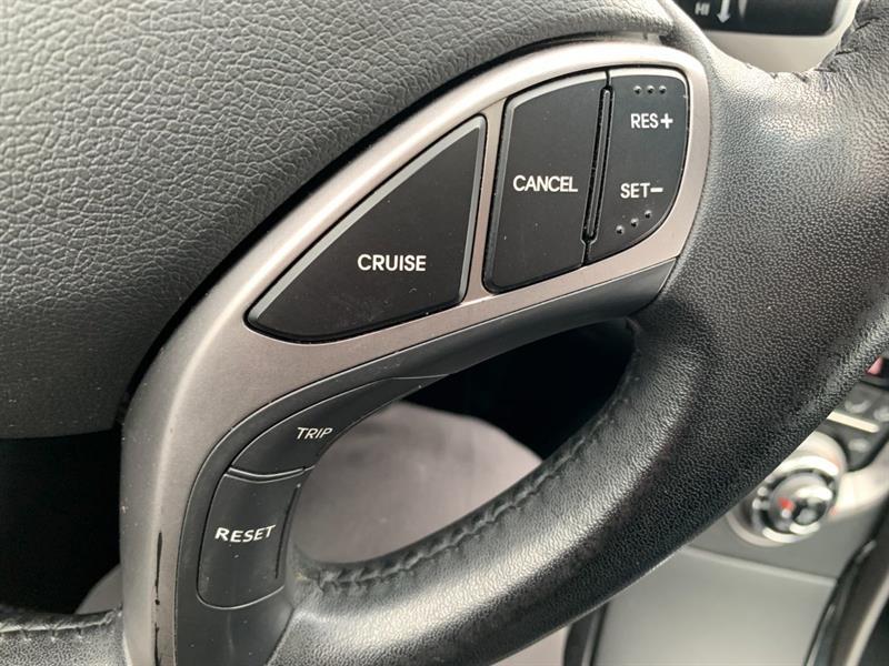 Hyundai Elantra Coupe 16