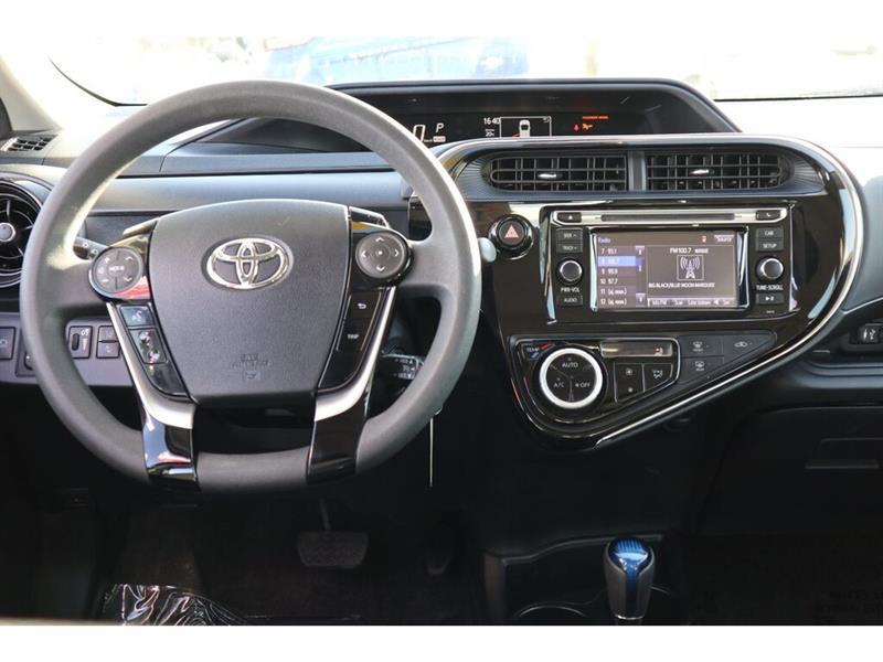 Toyota Prius C 21