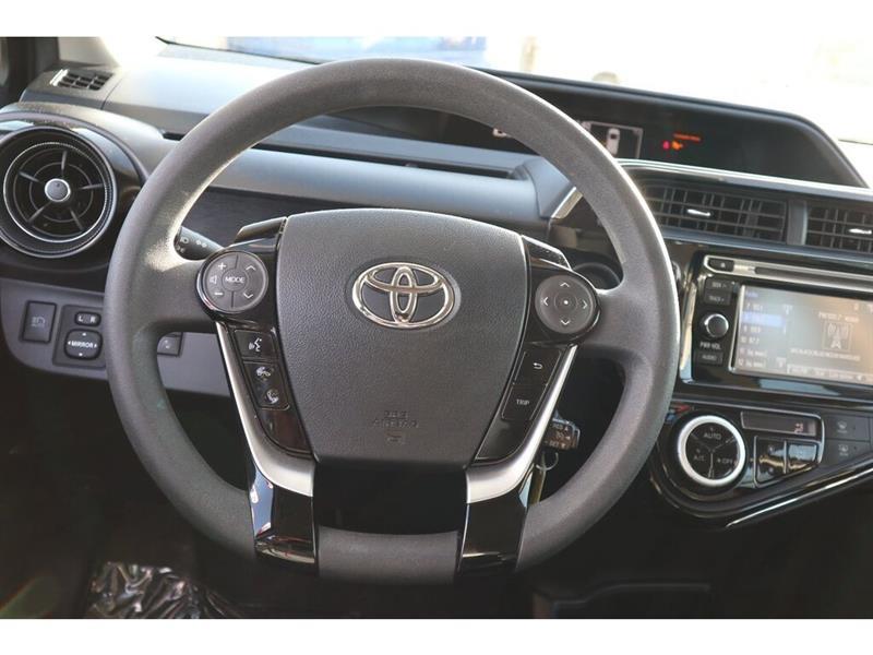 Toyota Prius C 23