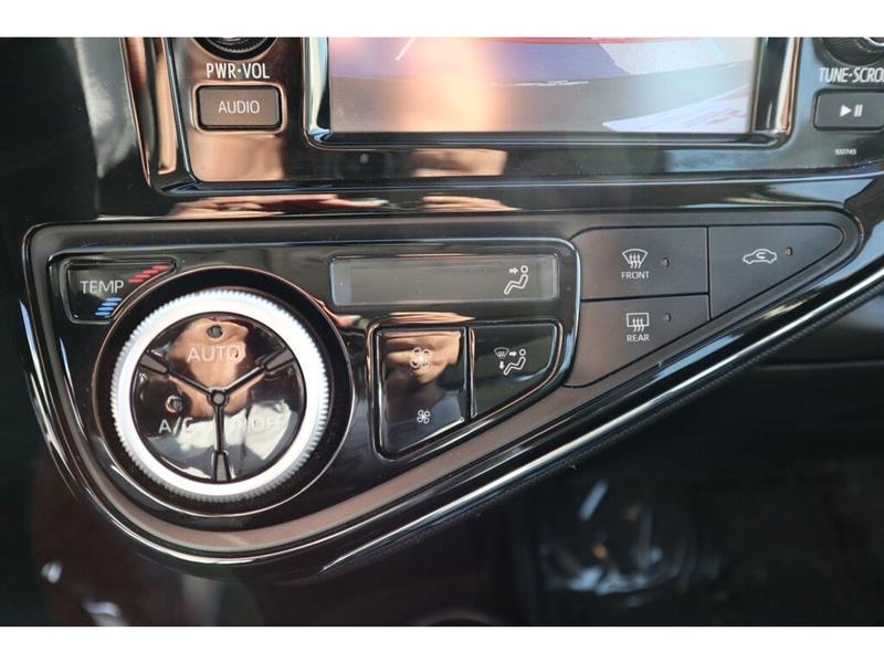 Toyota Prius C 29