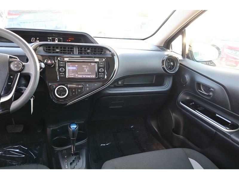 Toyota Prius C 33