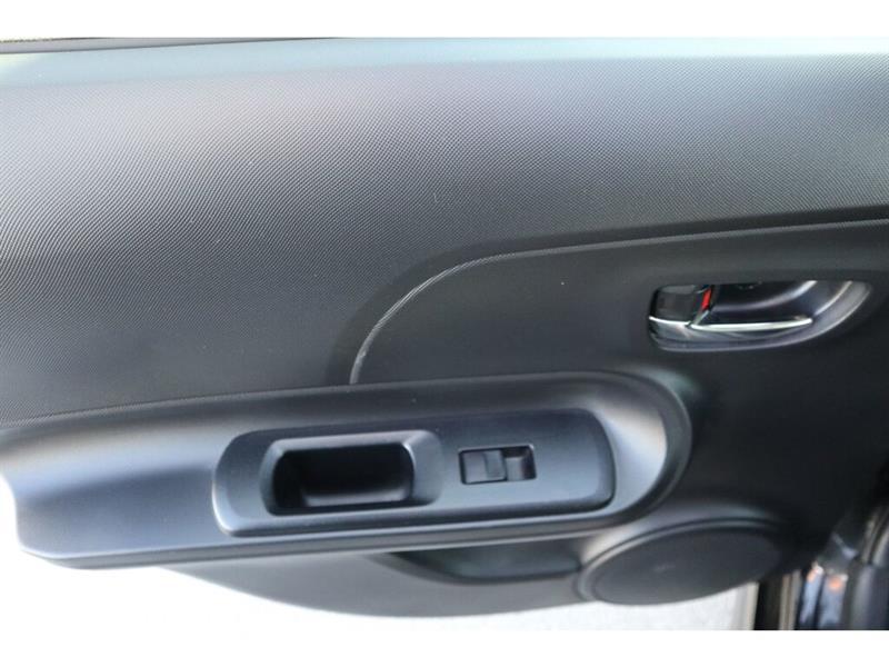 Toyota Prius C 34