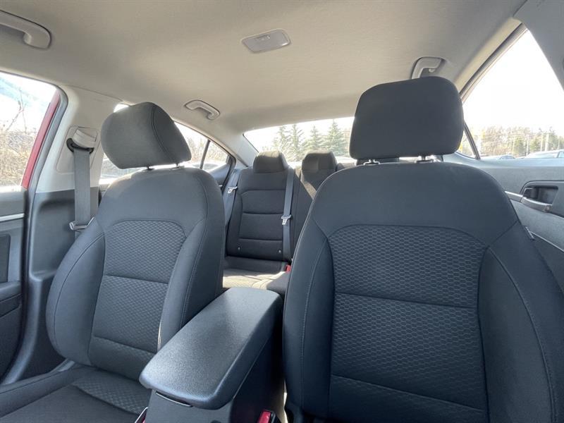 Hyundai Elantra 18
