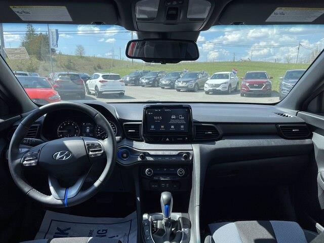 Hyundai Veloster 12