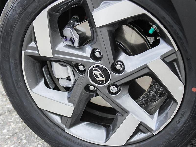 Hyundai Venue 8