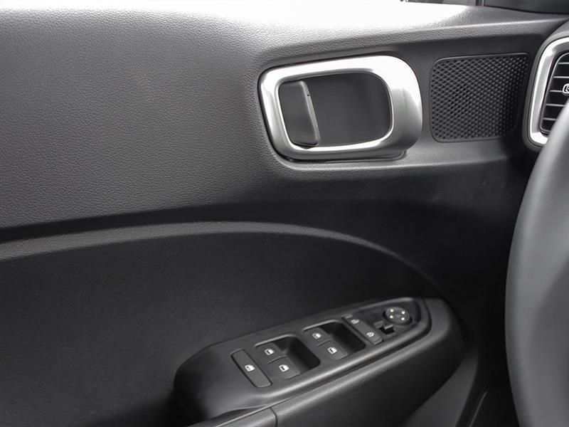 Hyundai Venue 16