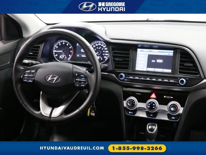 Hyundai Elantra 33