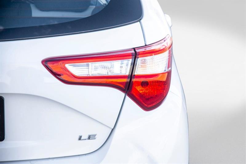 toyota Yaris Hatchback 2018 - 28