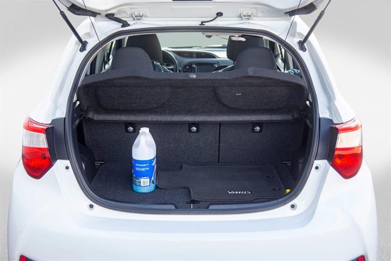 toyota Yaris Hatchback 2018 - 29