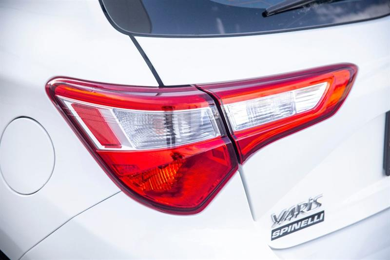 toyota Yaris Hatchback 2018 - 30