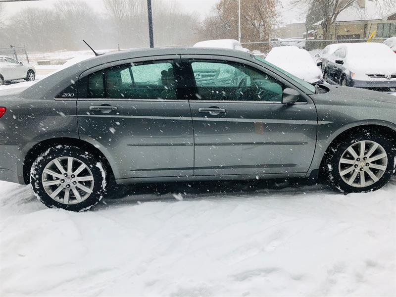 Chrysler 200 6