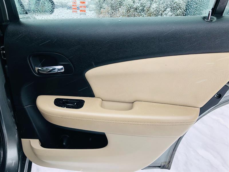 Chrysler 200 14