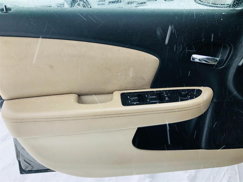 Chrysler 200 16