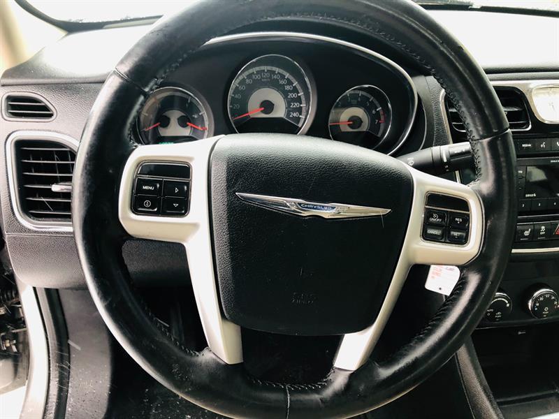 Chrysler 200 18