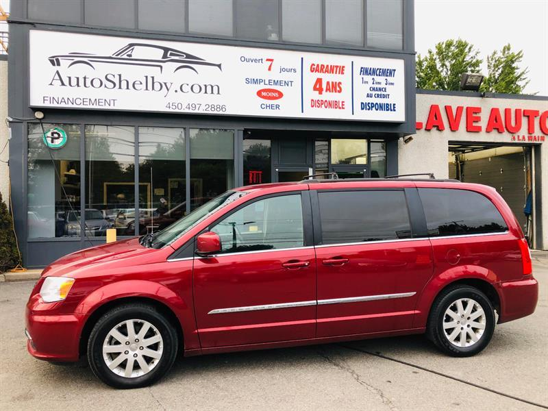 2014 Chrysler Town - Country