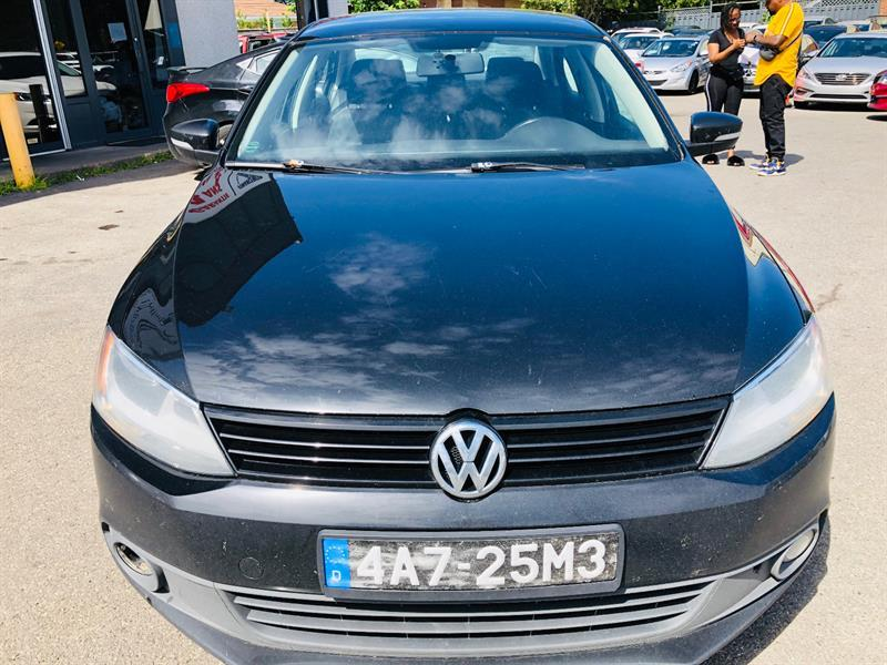 Volkswagen Jetta Sedan 8