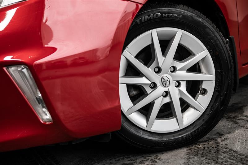 toyota Prius v 2013 - 3