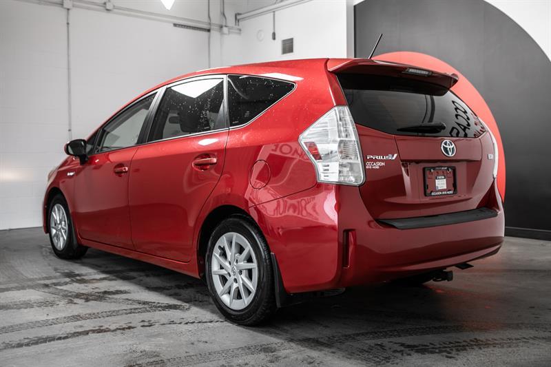 toyota Prius v 2013 - 9