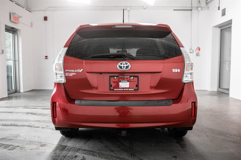 toyota Prius v 2013 - 11