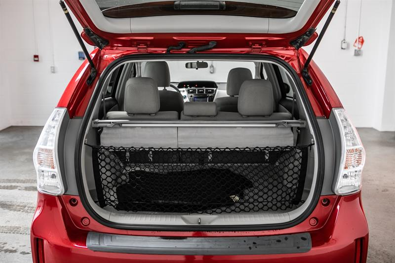 toyota Prius v 2013 - 19