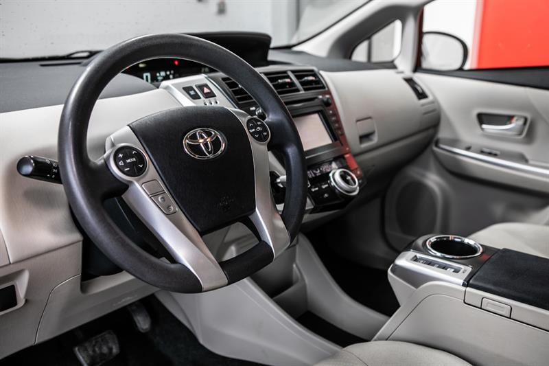 toyota Prius v 2013 - 20