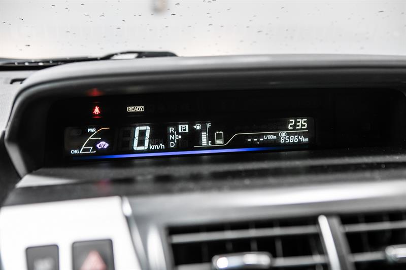 toyota Prius v 2013 - 25