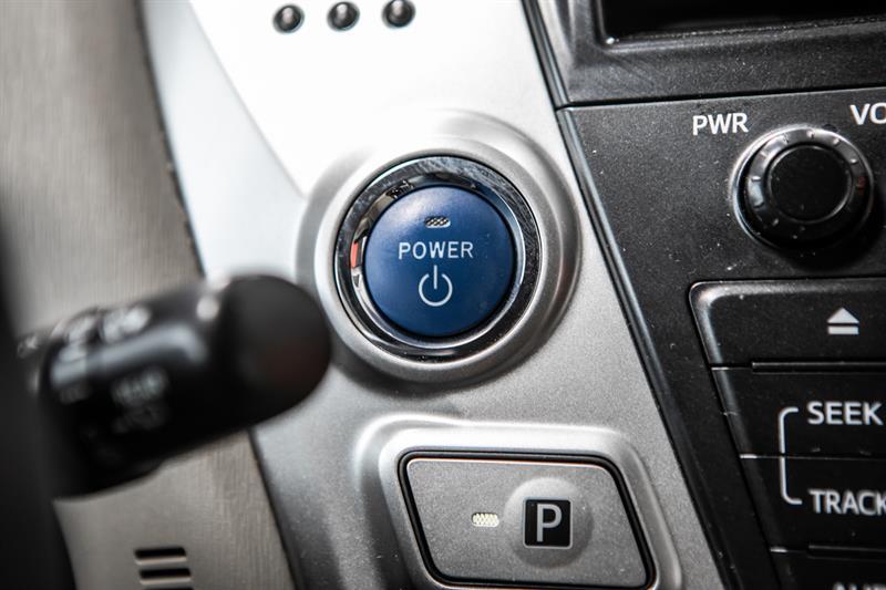 toyota Prius v 2013 - 26