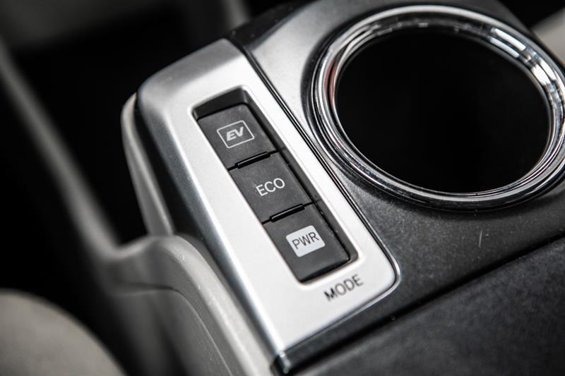 toyota Prius v 2013 - 27