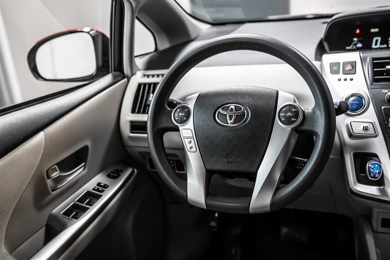 toyota Prius v 2013 - 32