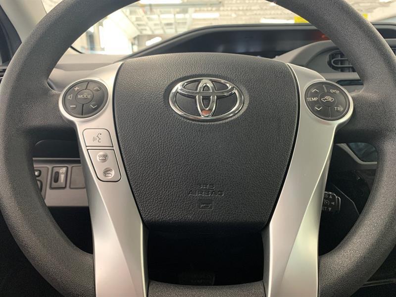 toyota Prius c 2016 - 22