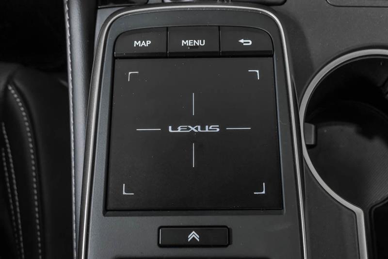 Lexus RC 39