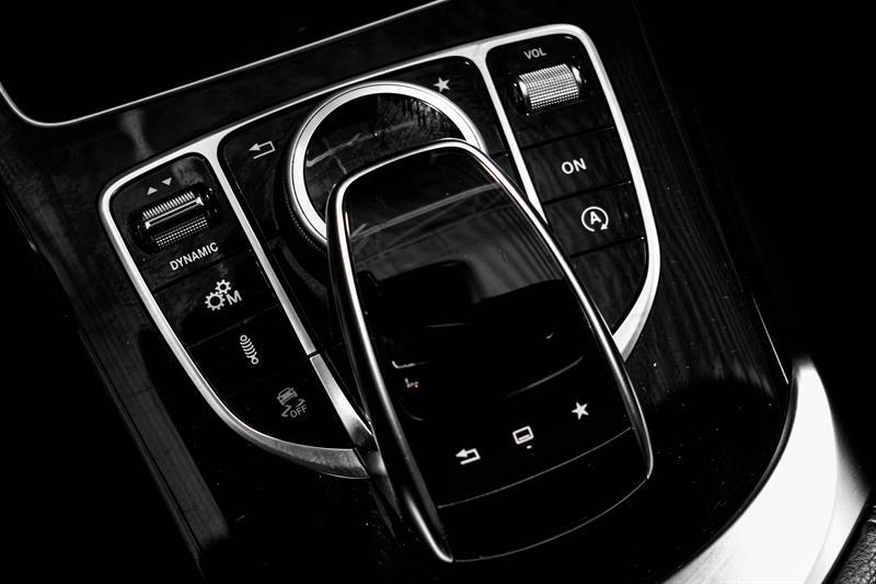 Mercedes-Benz C-Class 32
