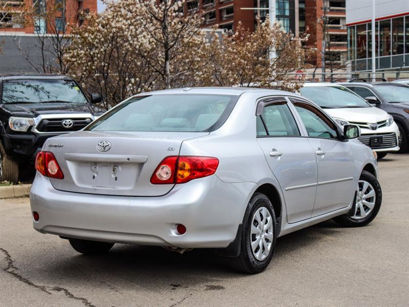 toyota Corolla 2010 - 24