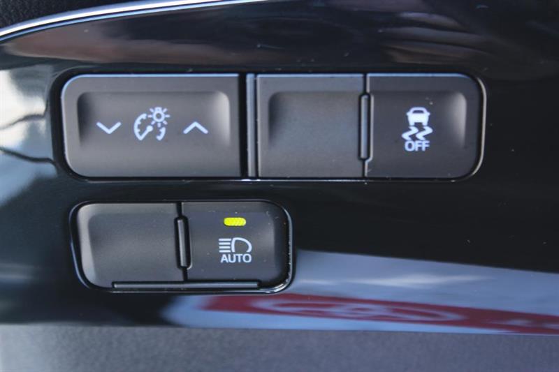 toyota Prius 2020 - 13