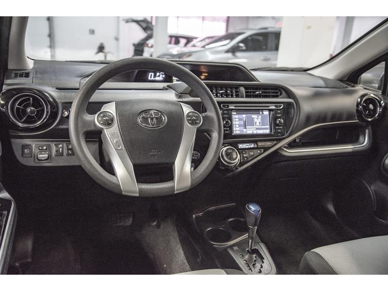 toyota Prius c 2017 - 6