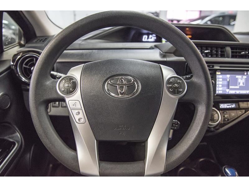 toyota Prius c 2017 - 9