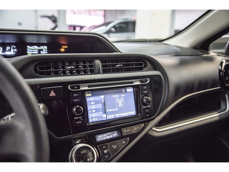 toyota Prius c 2017 - 15