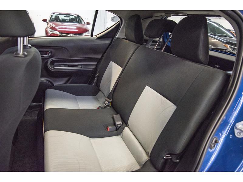 toyota Prius c 2017 - 31