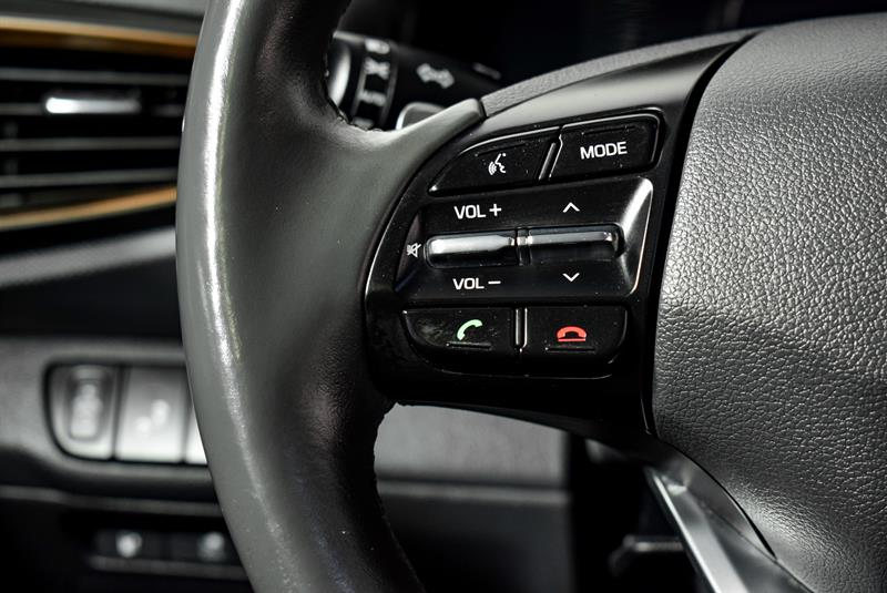 Hyundai Ioniq Hybrid 23