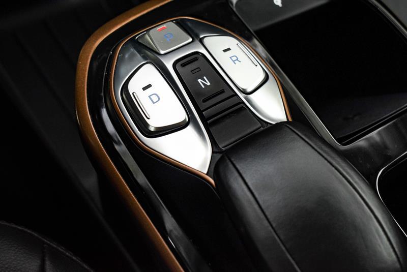 Hyundai Ioniq Hybrid 34