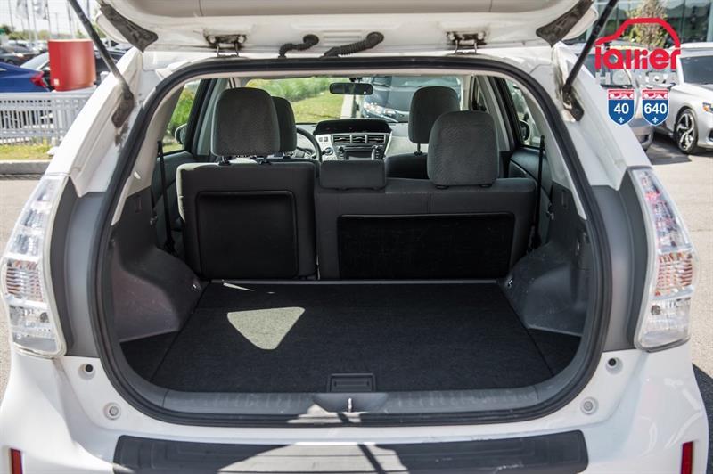 toyota Prius v 2014 - 10