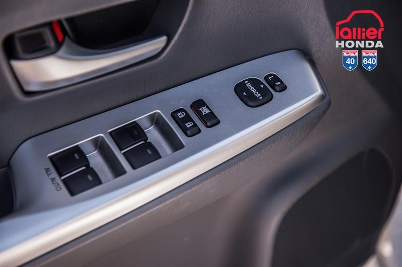 toyota Prius v 2014 - 13
