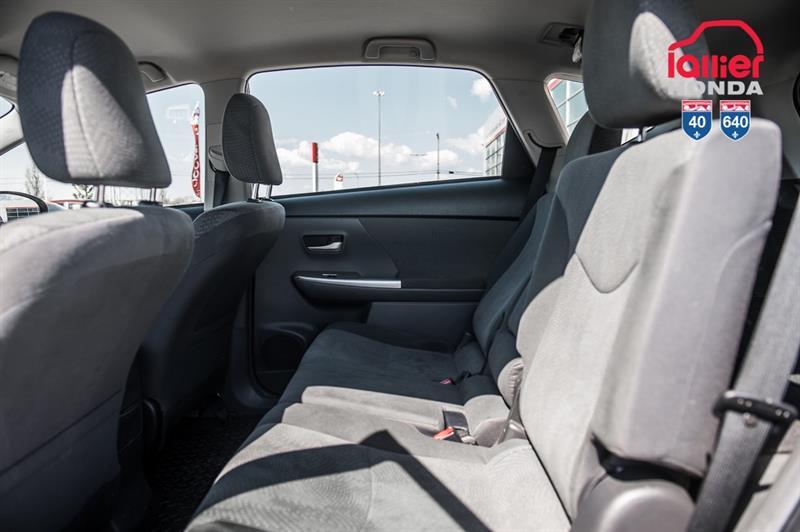 toyota Prius v 2014 - 20