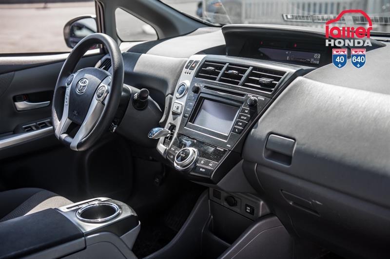 toyota Prius v 2014 - 24