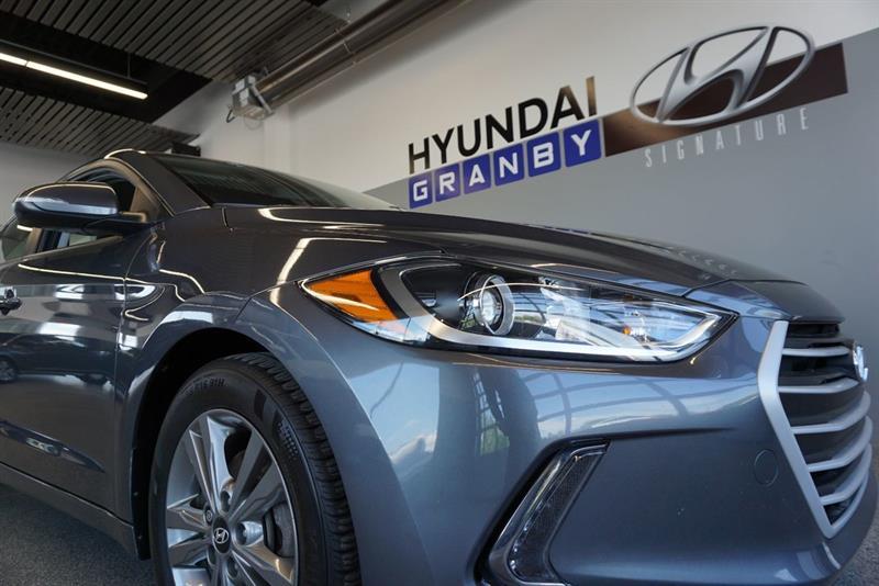 Hyundai Elantra Sedan 7