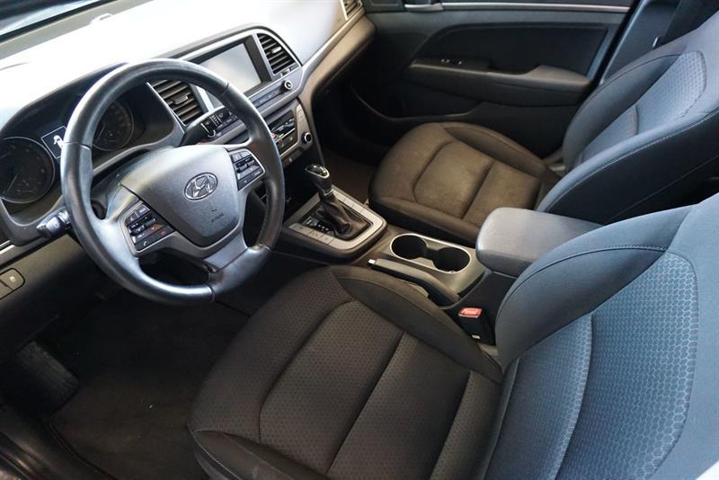 Hyundai Elantra Sedan 20