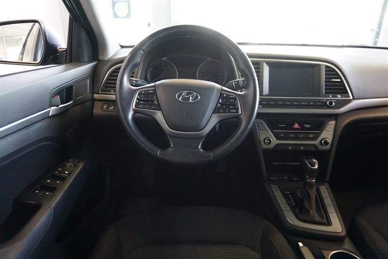 Hyundai Elantra Sedan 26