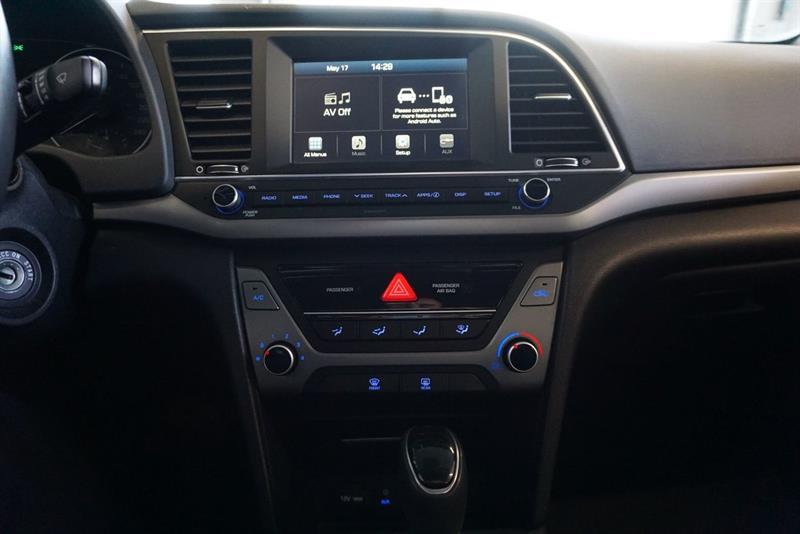 Hyundai Elantra Sedan 33