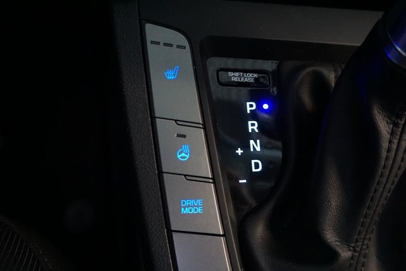 Hyundai Elantra Sedan 37