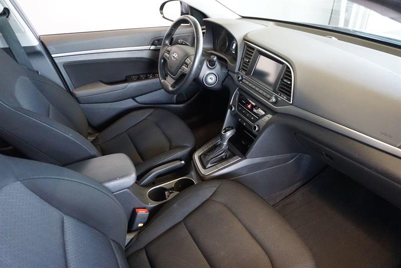 Hyundai Elantra Sedan 38